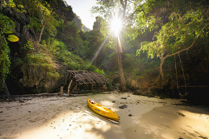Koh Phi Phi Island, Thailand is a paradise for young people - Photo 3
