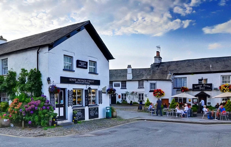 7 beautiful villages like stepping out of a fairy tale in England - Photo 2