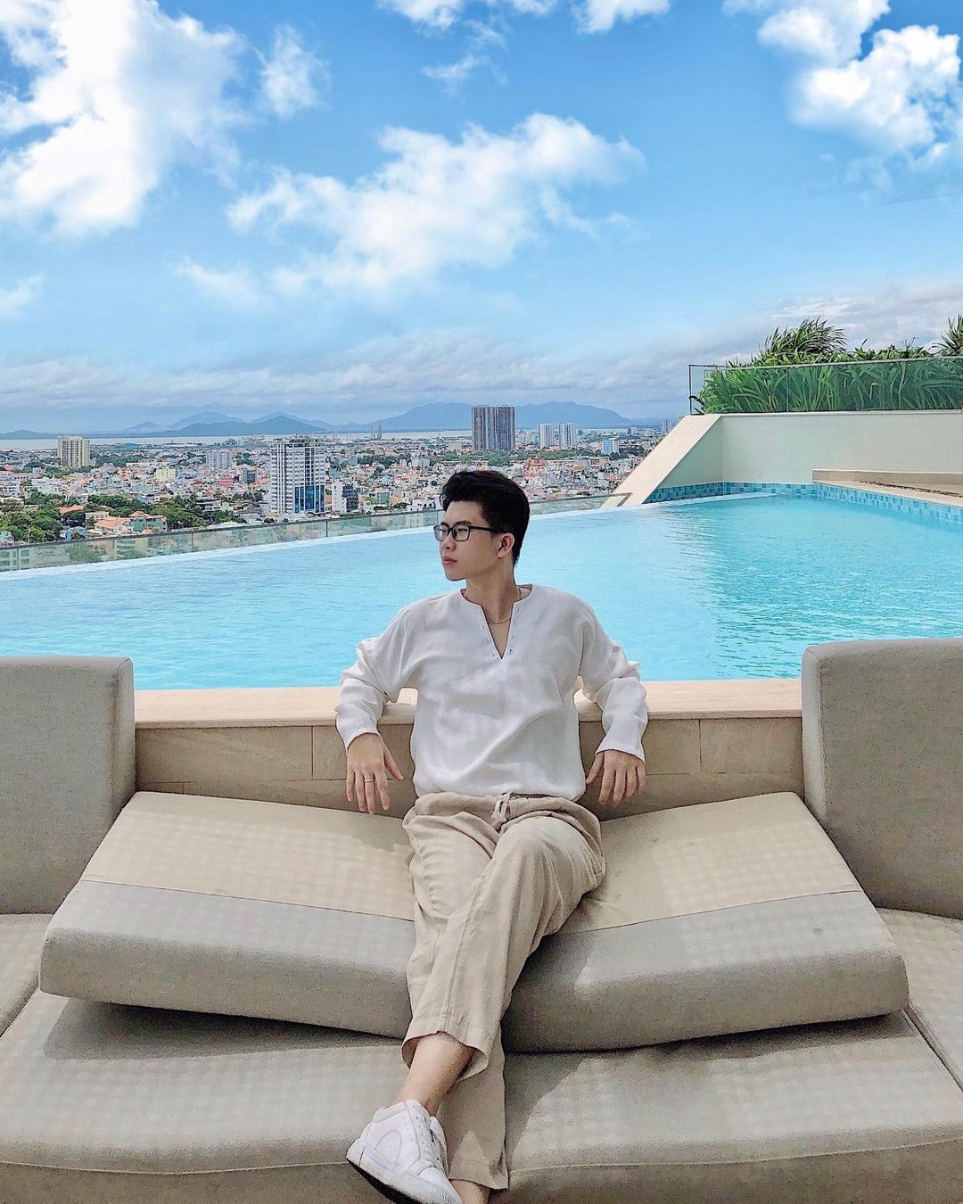 Fusion Suites Vung Tau Hotel is located on Truong Cong Dinh Street, near Front Beach and is 20 floors high.  Photo: @ch.thang