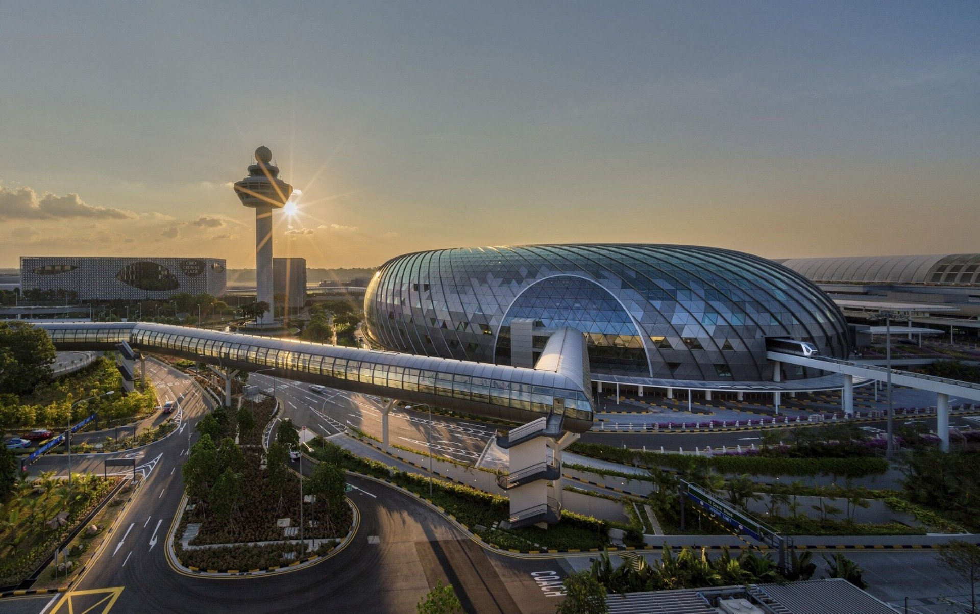 Discover 8 great experiences at Changi Airport, Singapore - Photo 13